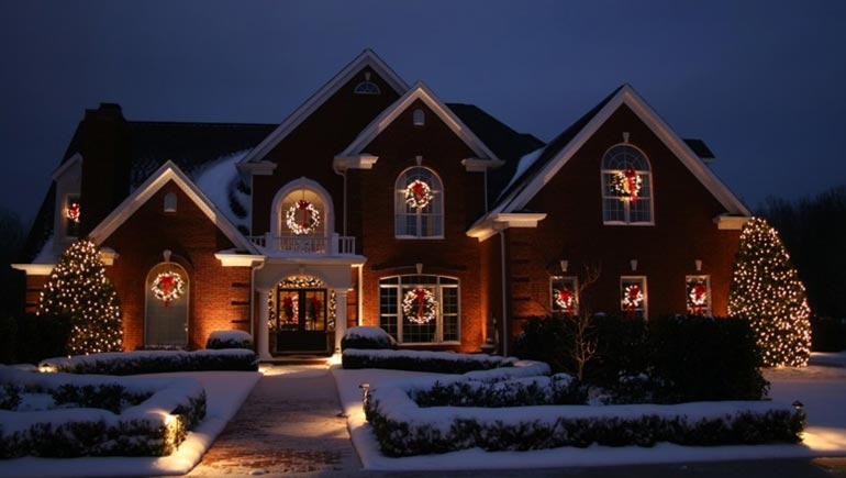 Christmas lights at a home in Des Moines, IA.